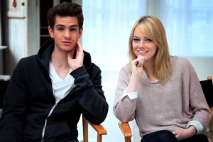 emma-stone-andrew-garfield-cover-video_th