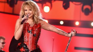 miranda-lambert-academy-of-country-music-awards