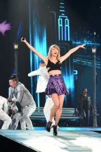Taylor-Swift-in-Tokyo-372x560