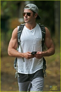 zac-efron-ripped-memorial-day-weekend-10