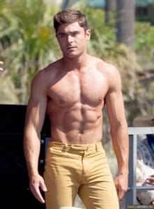 zac-efron-robert-de-niro-have-shirtless-contest-on-set-09