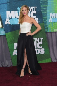 brittany-snow-cmt-awards-2015
