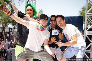 channing-tatum-and-matt-bomer-dance-at-la-gay-pride-parade