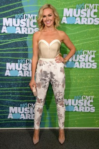 laura-bell-bundy-cmt-awards-20151