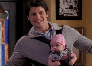 Naley-Jamie-and-Lydia-8-22-one-tree-hill-nathan-haley-jamie-24891575-779-563