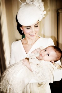 rs_634x951-150709072255-634.Kate-Middleton-Princess-Charlotte-Christening-Mario-testino.jl.070915