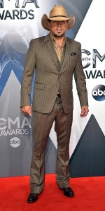 NASHVILLE, TN - NOVEMBER 04: Musician Jason Aldean attends the 49th annual CMA Awards at the Bridgestone Arena on November 4, 2015 in Nashville, Tennessee. (Photo by John Shearer/WireImage)
