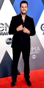 NASHVILLE, TN - NOVEMBER 04: Recording artist Luke Bryan attends the 49th annual CMA Awards at the Bridgestone Arena on November 4, 2015 in Nashville, Tennessee. (Photo by John Shearer/WireImage)