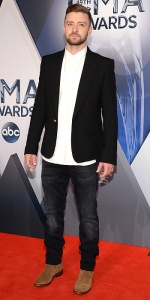 Justin Timberlake arrives at the 49th annual CMA Awards at the Bridgestone Arena on Wednesday, Nov. 4, 2015, in Nashville, Tenn. (Photo by Evan Agostini/Invision/AP)