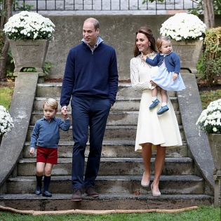 VICTORIA, BC - SEPTEMBER 29: Catherine, Duchess of Cambridge, Princess Charlotte of Cambridge, Prince George of Cambridge and Prince William, Duke of Cambridge arrive for a children's party for Military families during the Royal Tour of Canada on September 29, 2016 in Carcross, Canada. Prince William, Duke of Cambridge, Catherine, Duchess of Cambridge, Prince George and Princess Charlotte are visiting Canada as part of an eight day visit to the country taking in areas such as Bella Bella, Whitehorse and Kelowna (Photo by Chris Jackson - Pool/Getty Images)