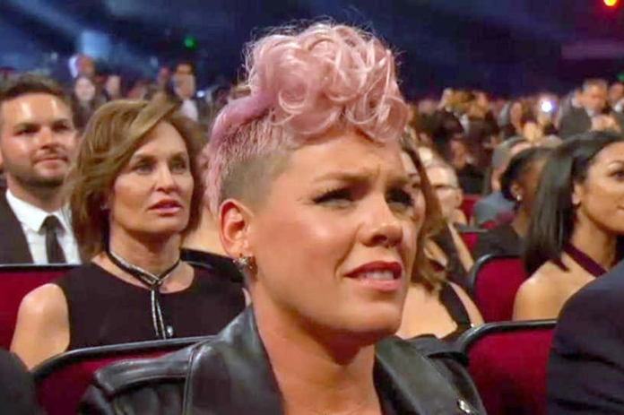 Pink shocked face AMAs  Credit: ABC