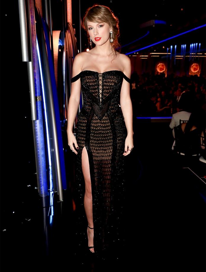 "NBC's ""76th Annual Golden Globe Awards"" - Show - Roaming"